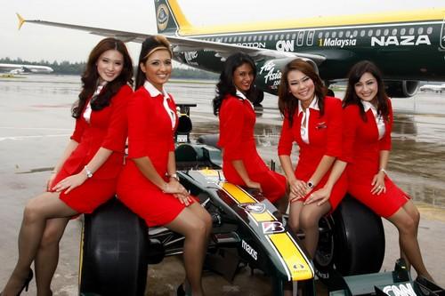 AirAsia-hot-steardess_flyorder.ru