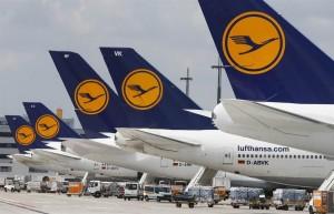 12 женщин‑пилотов немецкой авиакомпании доставят в столицу Германии пассажиров из Франкфурта, Мюнхена, Дюссельдорфа, Цюриха, Вены и Брюсселя.