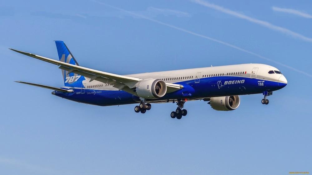 """""""Сингапурские авиалинии"""" объявили о первом рейсе на Boeing 787-10"""